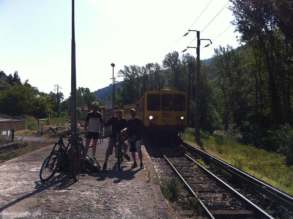 Descente Train Jaune